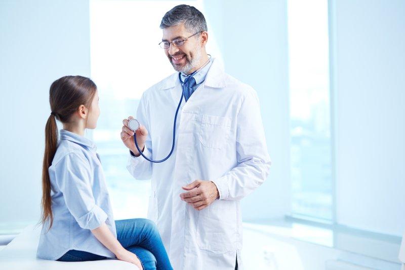 Lekarz pediatra odwiedzi Wesołe Robaczki!